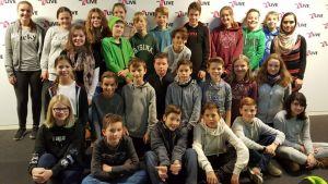 Klassenfoto der 7b im WDR/1Live Studio